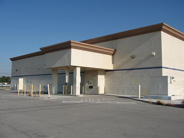 LV-Nellis store pic web